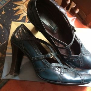 AEROSOLES Signature Dark Blue size 9 1/2 M